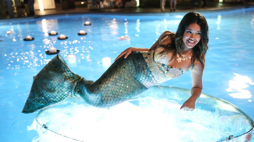 Gina Rodriguez in Jane the Virgin